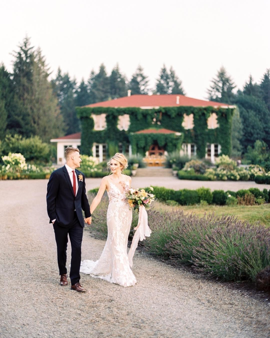 The Modern Guide to Men\'s Wedding Attire in 2018