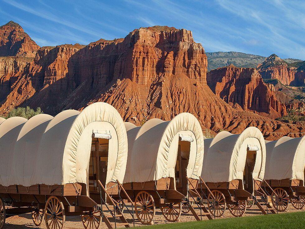 浪漫的野外露营 帐篷酒店国会礁度假村康尼斯托加旅行车