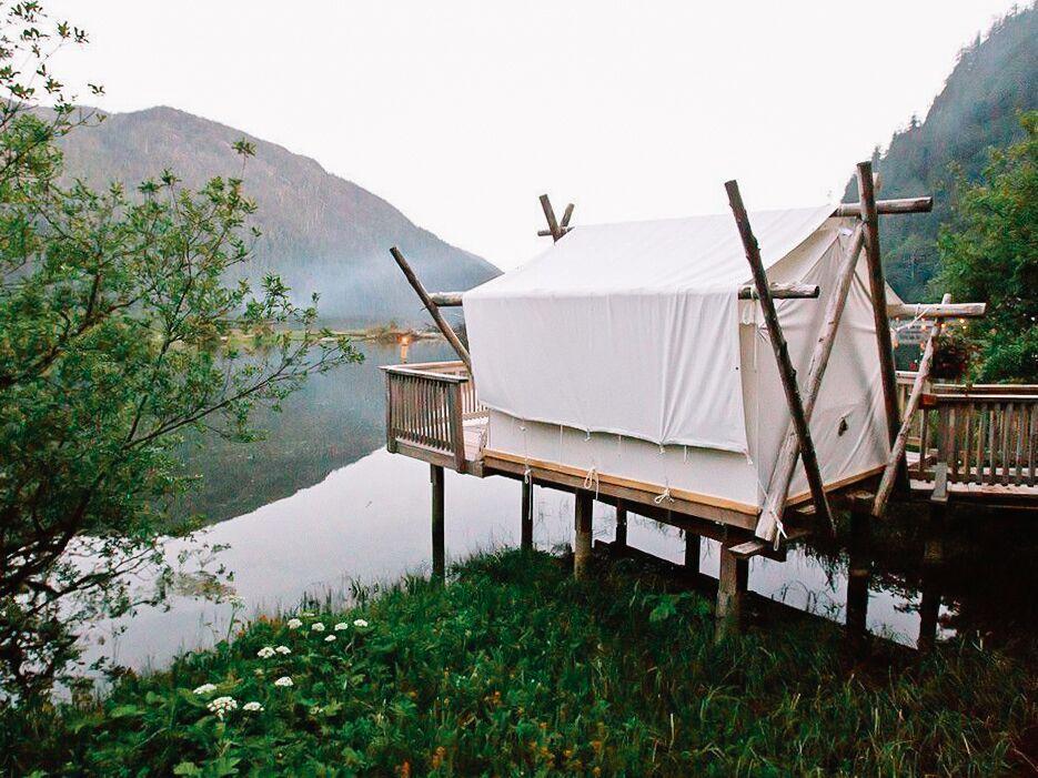 浪漫的野外露营 帐篷酒店Clayoquot荒野度假村