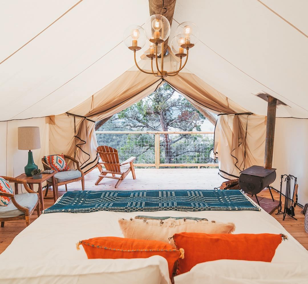 浪漫的野外露营 帐篷酒店集体撤退山国
