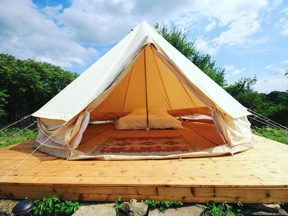 浪漫的野外露营 帐篷酒店盖瑟维尔牧场