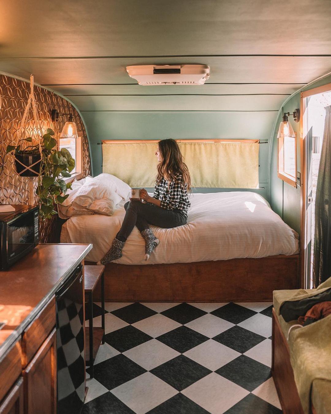 浪漫的野外露营 帐篷酒店月神酒店