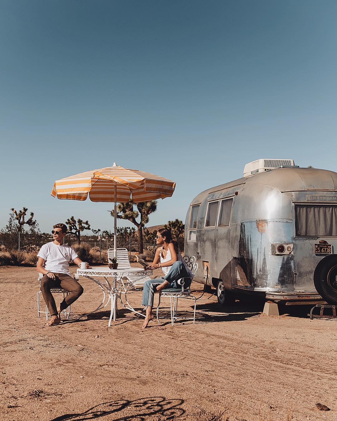 浪漫的野外露营 帐篷酒店约书亚树英亩