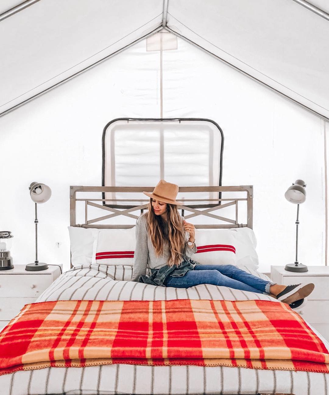 浪漫的野外露营 帐篷酒店门多西诺格罗夫