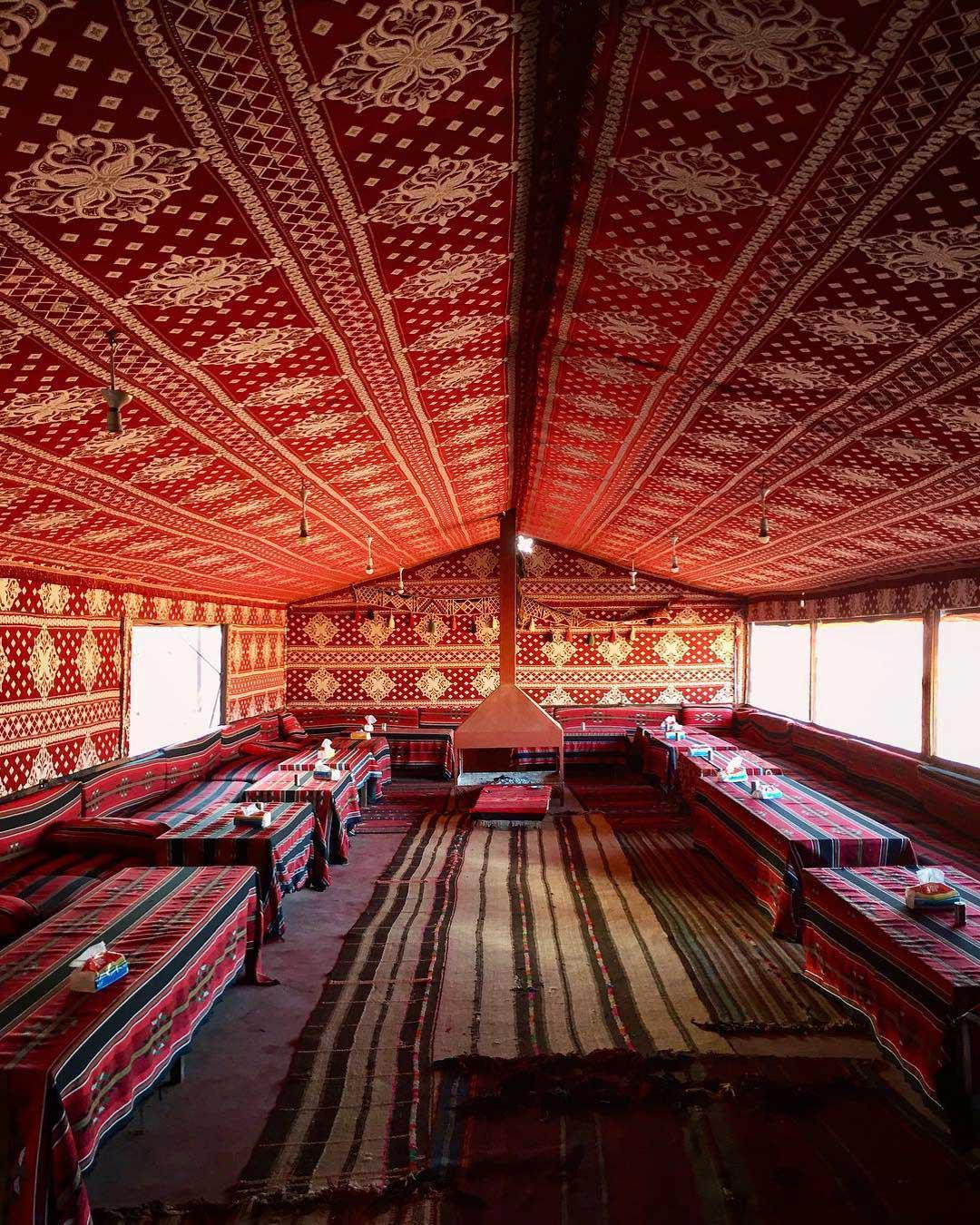 浪漫的野外露营 帐篷酒店瓦迪拉姆贝都因人营地