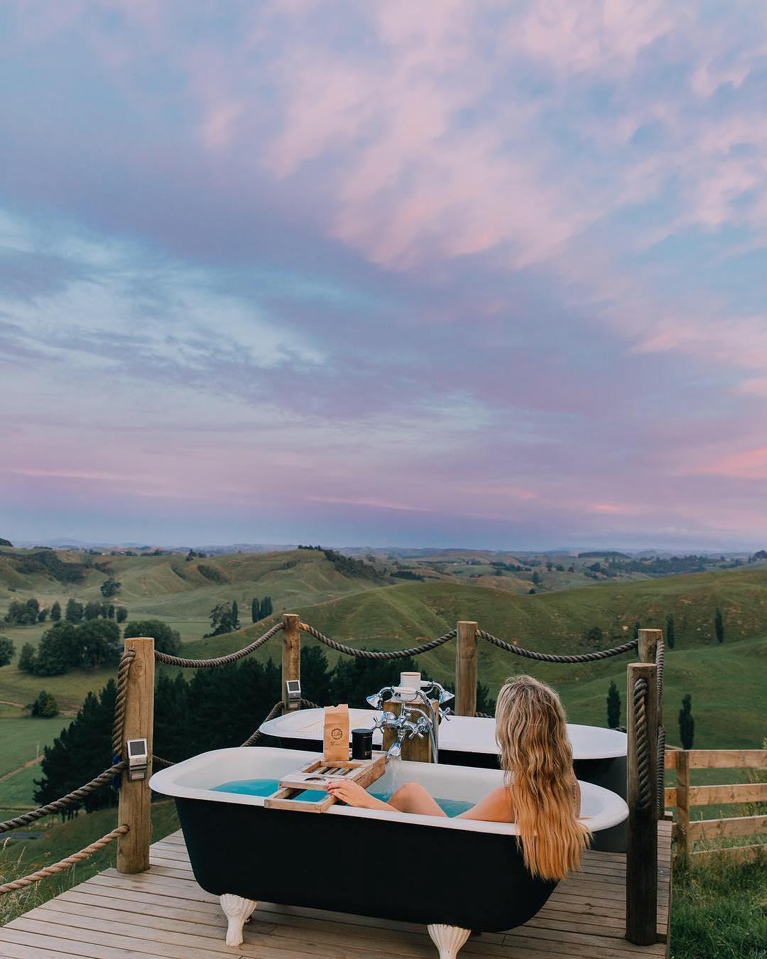 浪漫的野外露营 帐篷酒店怀托摩山顶露营