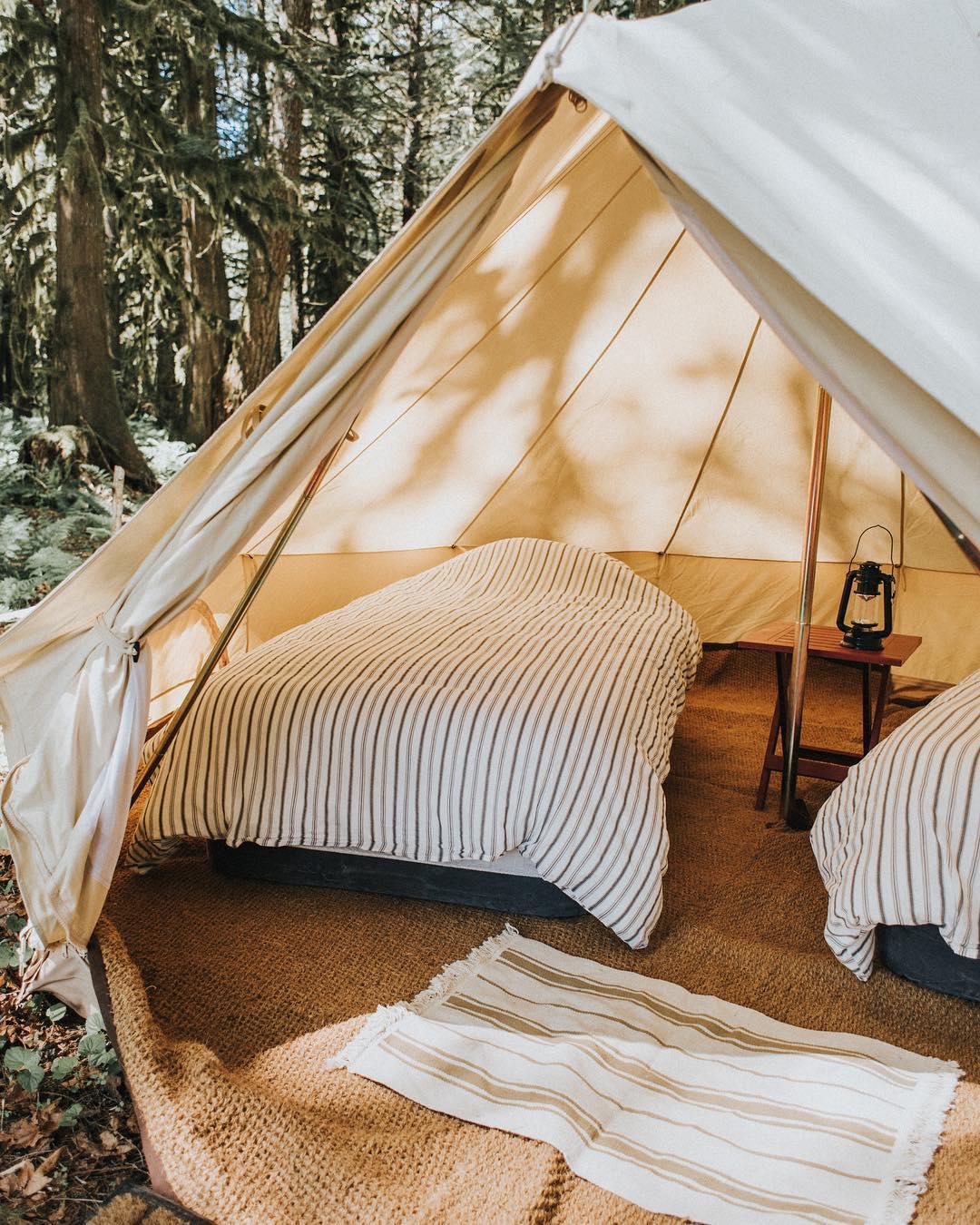 浪漫的野外露营 帐篷酒店狂野天堂