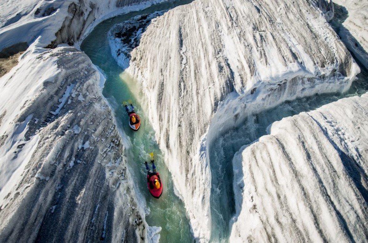 贝壳酒店帐篷 贝壳酒店帐篷客酒店 在阿莱奇冰川上进行水速驾驶