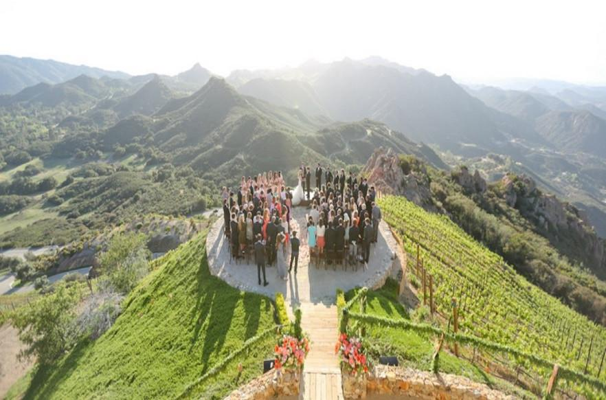 15 jaw dropping wedding venues in malibu book venue space junglespirit Images