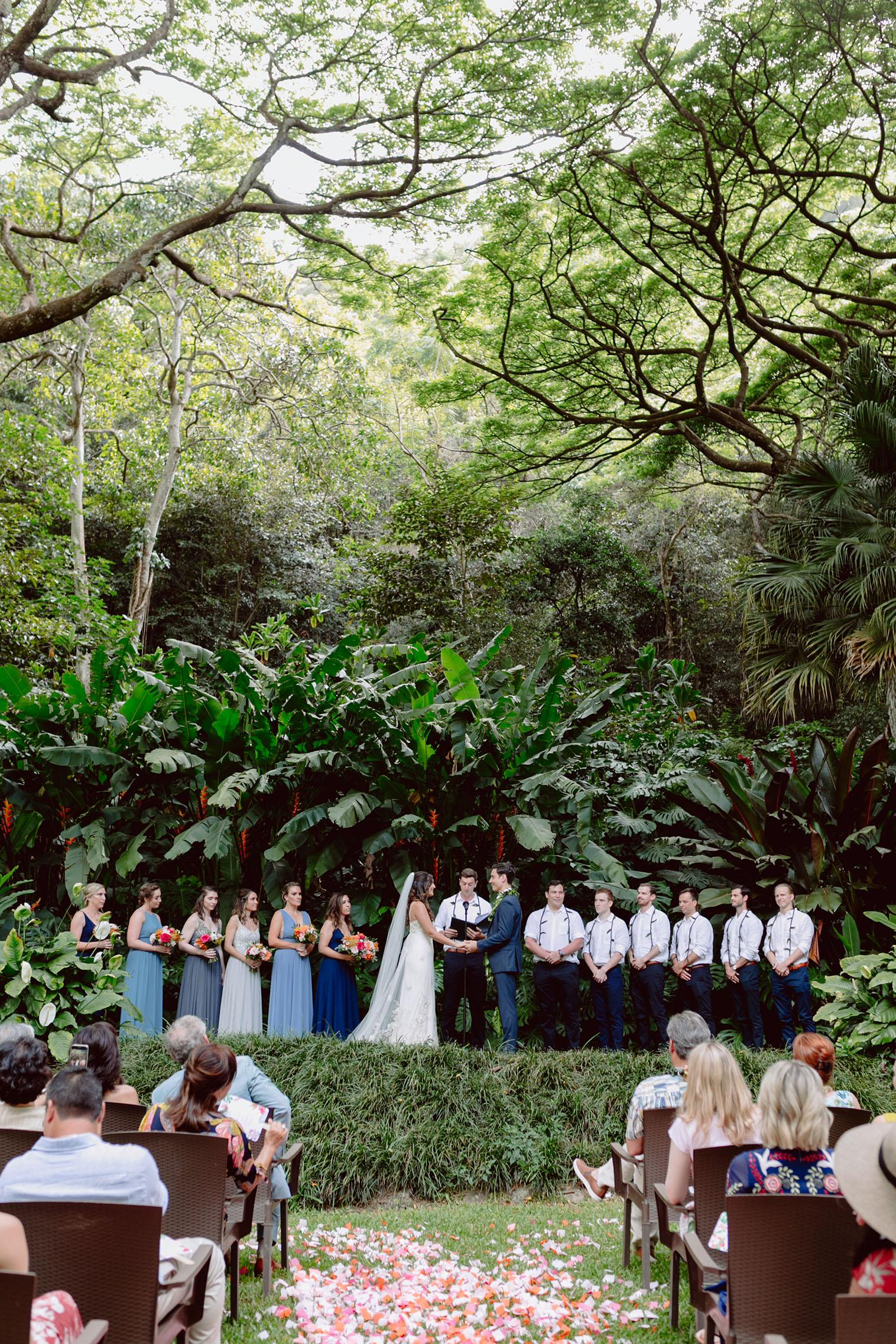 Hawaiian Wedding Venues With Serious Tropical Vibes